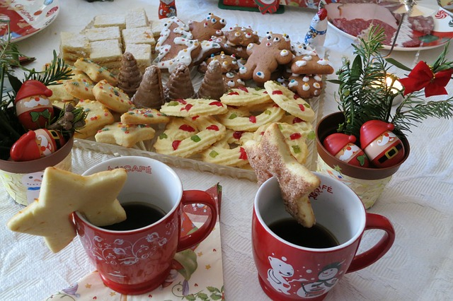 How To Enjoy Christmas And Curb Your Cravings