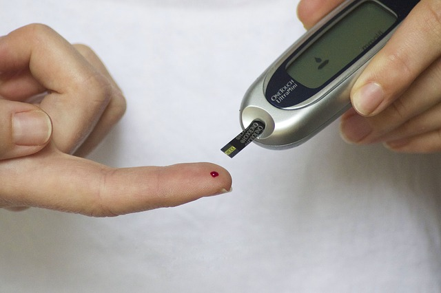 8 Signs of Possible Diabetes Problems and How to Prevent Them